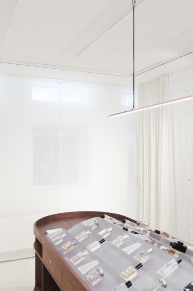 fragrance_store_unknow_architects_photos_hart_nibbrig